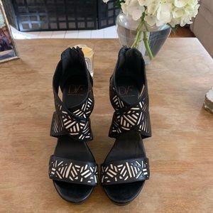 6.5 Diane Von Furstenberg Black & White Wedges